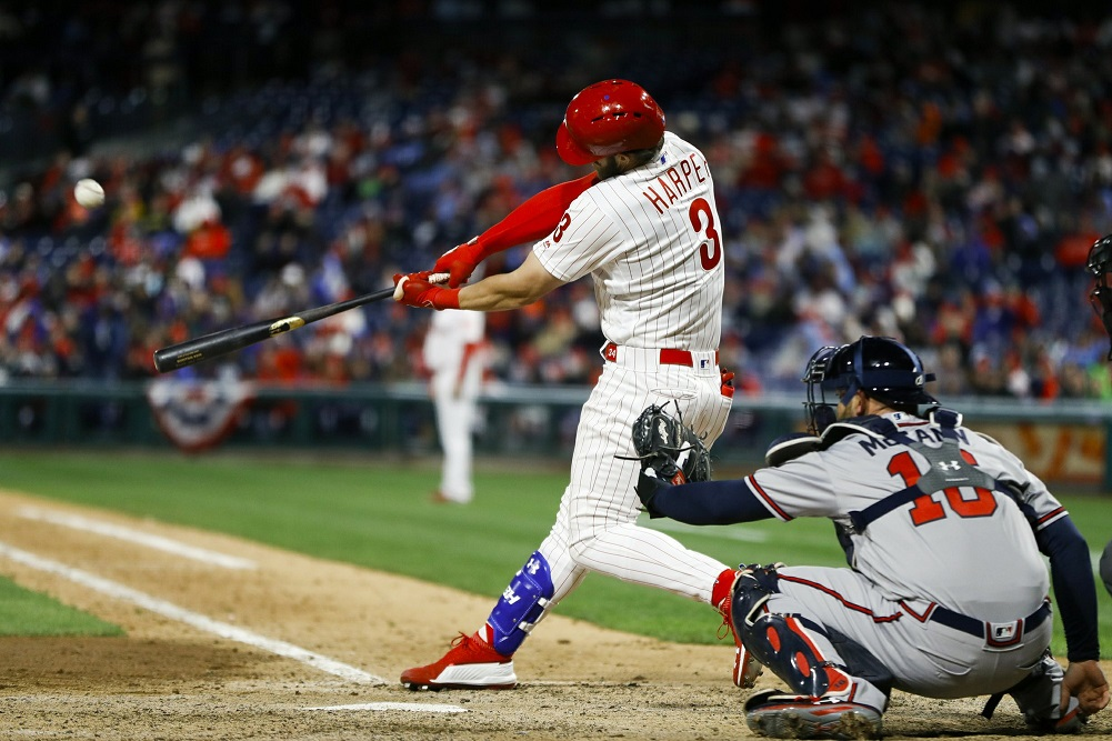 Harper homers again to lead Phillies sweep of Braves