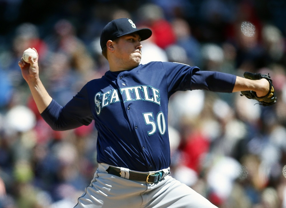 Rookie Swanson gets first win, Mariners blast Indians