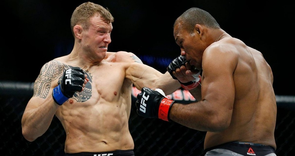 Hermansson spoils Souza's title plans, rolls to win