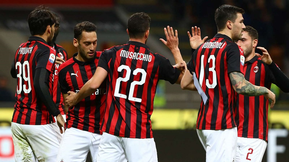 Rossoneri capitalise on Lirola own goal and Consigli red
