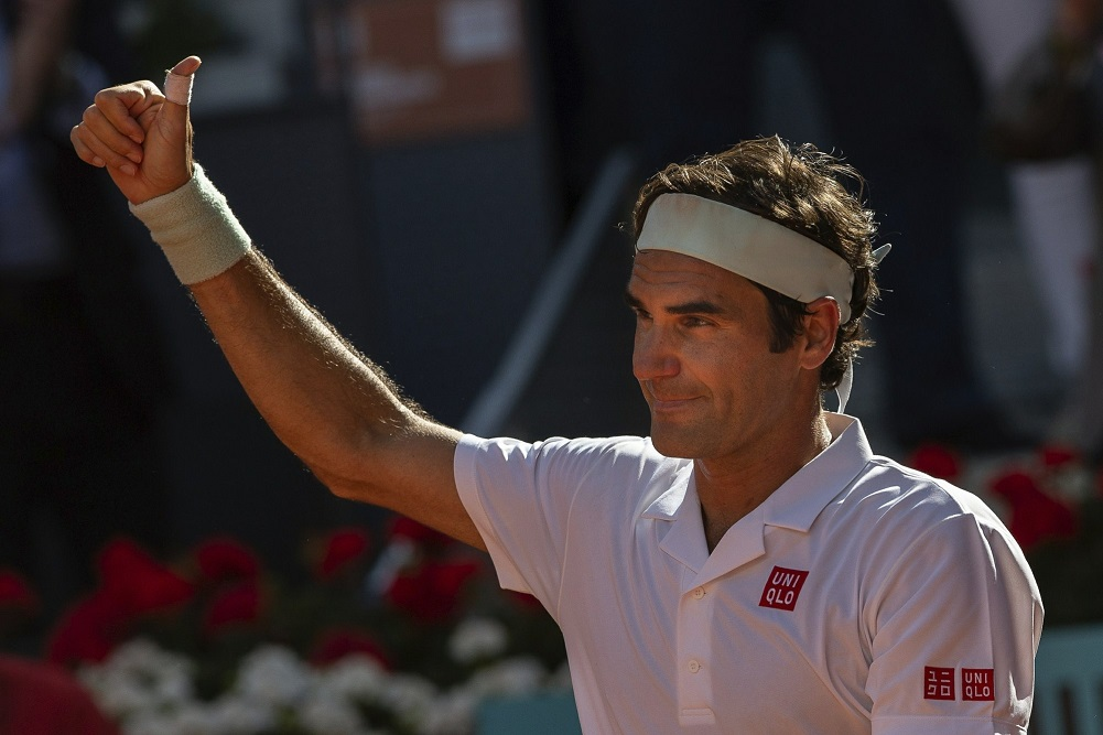 Federer outlasts Monfils to reach Madrid Open quarterfinals