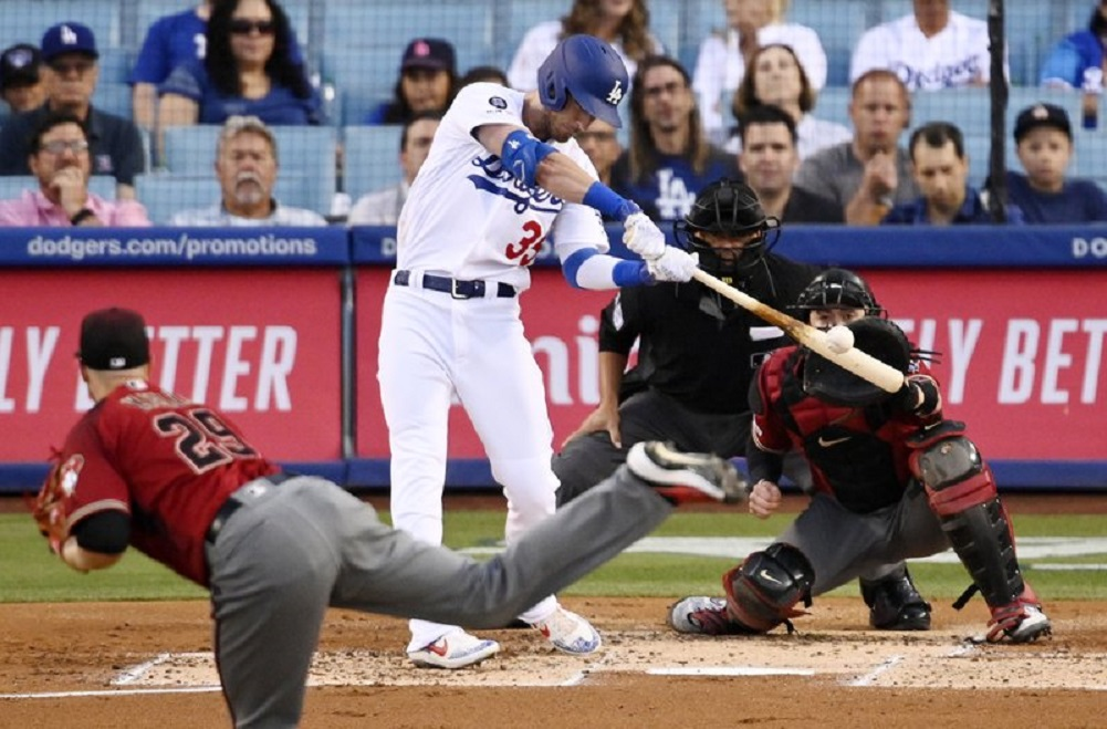 Dodgers beat D-backs for 5th straight home walk-off win