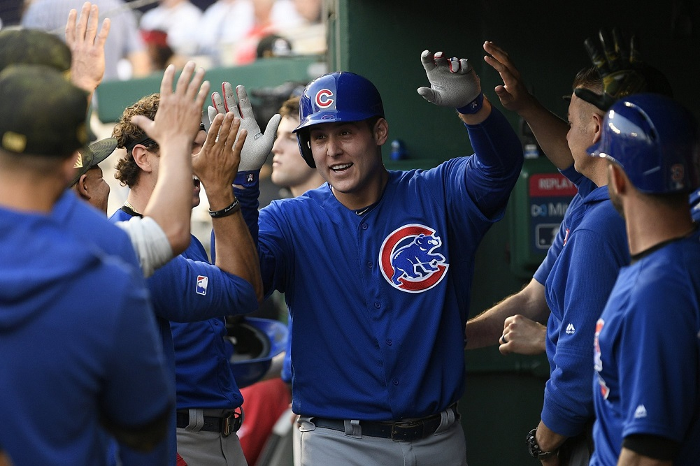 Rizzo homers, Cubs hold off Nationals' rally for win