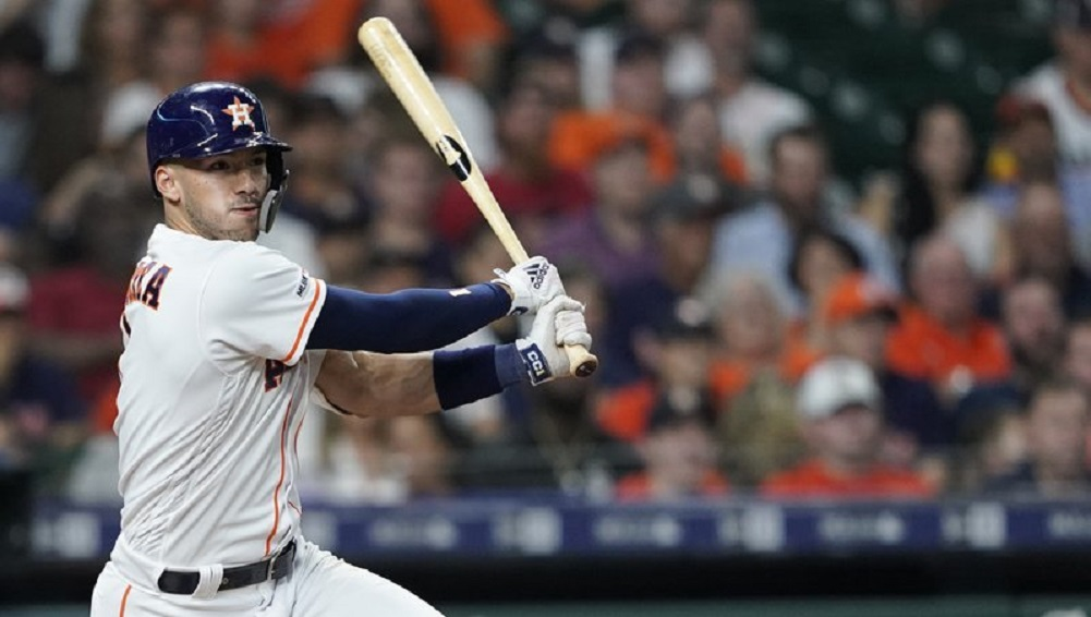 Houston's Correa out for 4-6 weeks with fractured rib