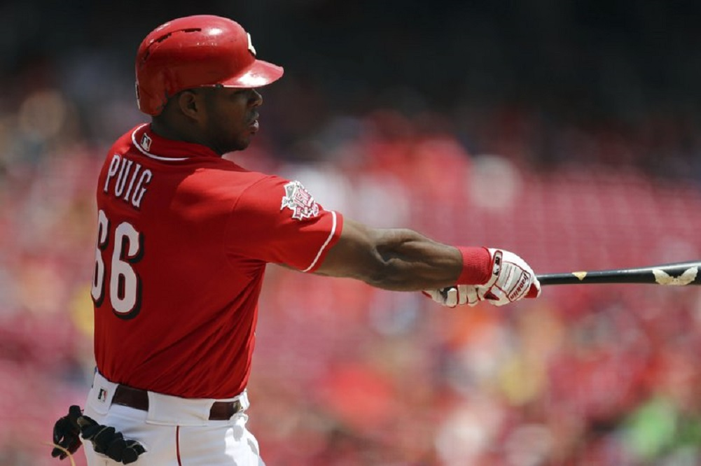Reds rally for 2 in 9th, win for rare sweep of Astros