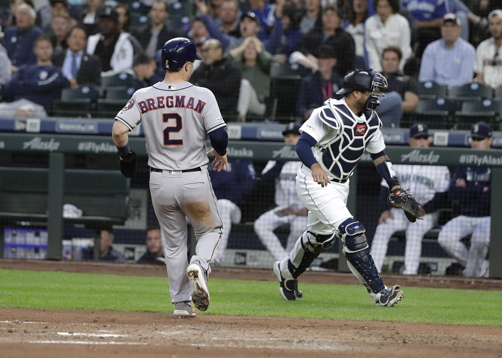 Astros use big 1st inning to hold off Mariners