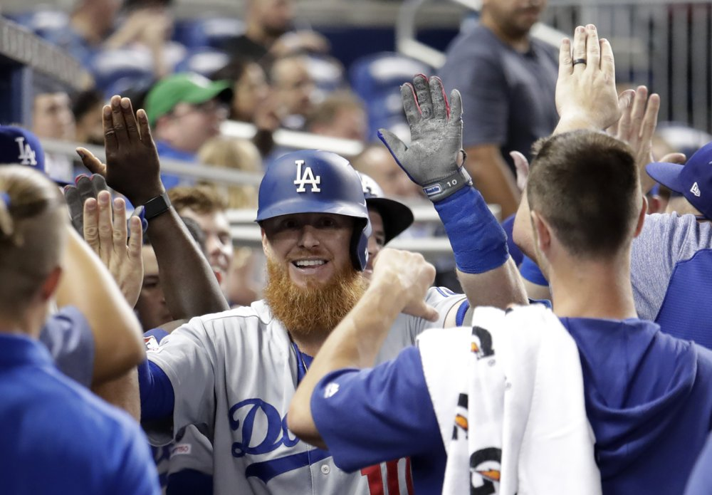 Smith hits 2 of Dodgers' 6 HRs as they pound Marlins