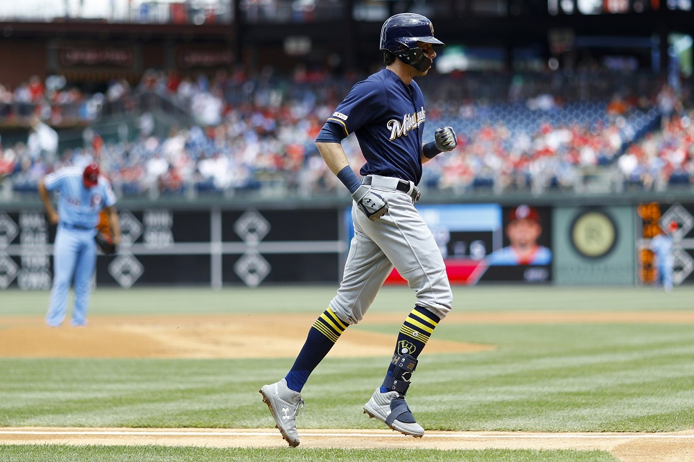 Yelich goes deep twice, Brewers beat Phillies