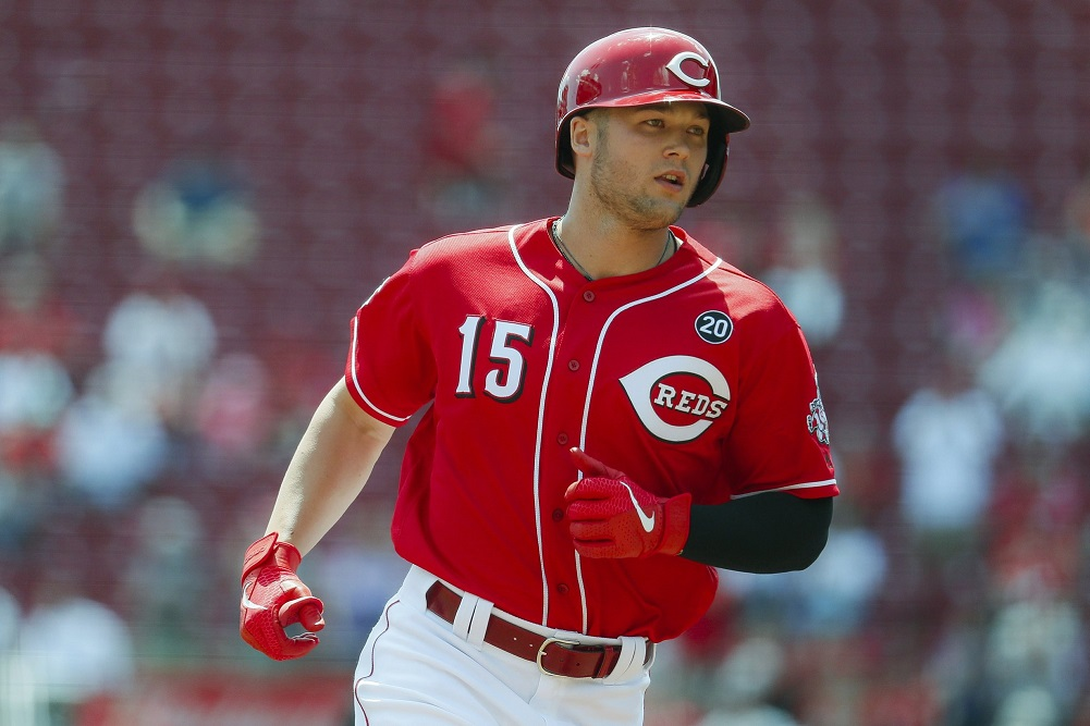 Bees circle, Senzel homers twice as Reds swarm Giants