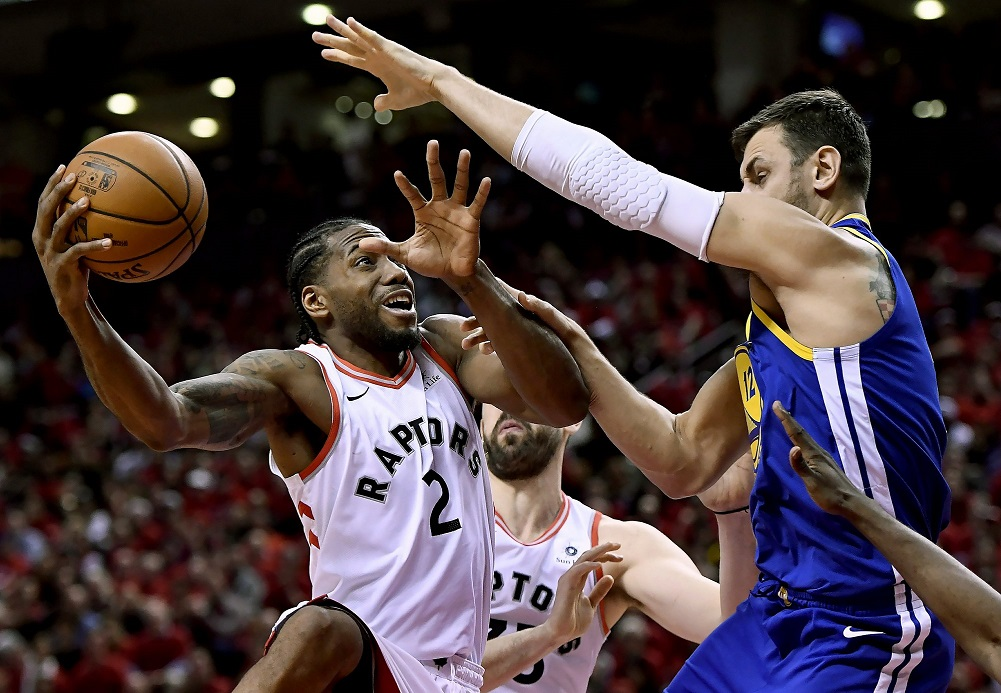 Warriors beat Raptors to even NBA Finals