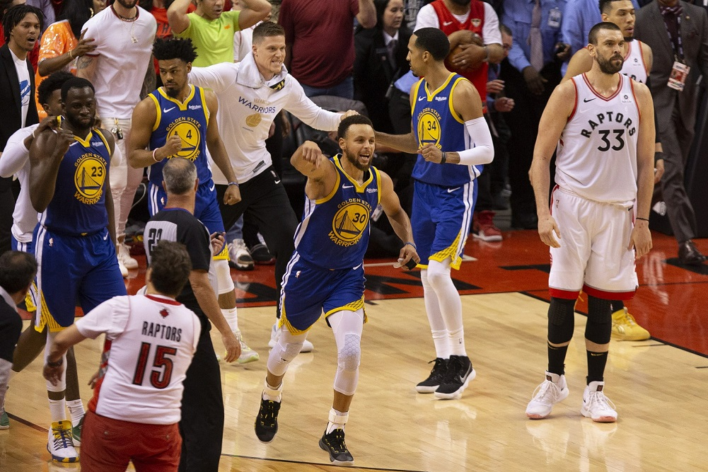 Warriors hang on to stay alive, win Game 5 of NBA Finals