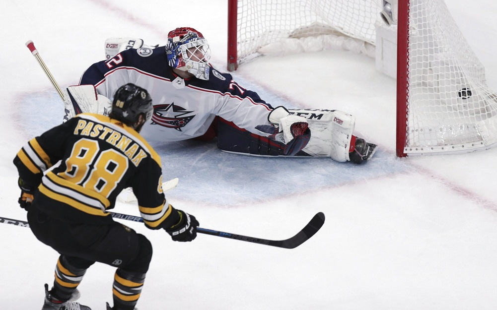 Pastrnak, Bruins beat Blue Jackets for 3-2 series lead