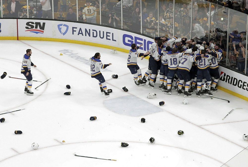 Blues win 1st Stanley Cup, beating Bruins