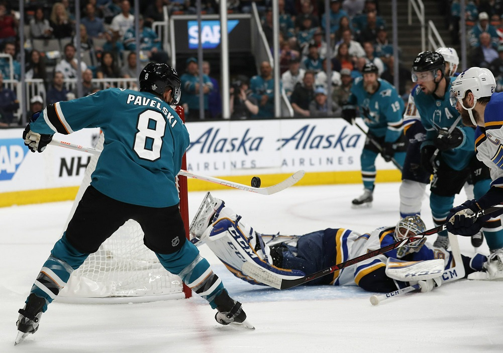 Timo Meier scores 2 to lead Sharks past Blues