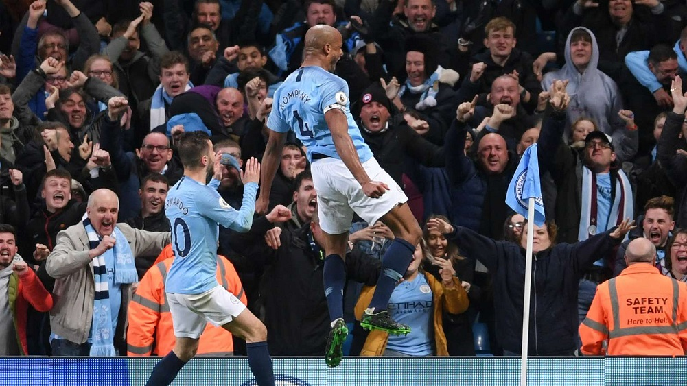 Kompany stunner puts title within grasp