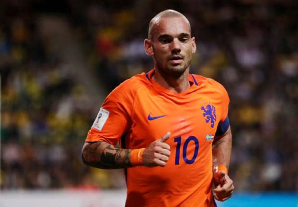 Wesley Sneijder retires from football