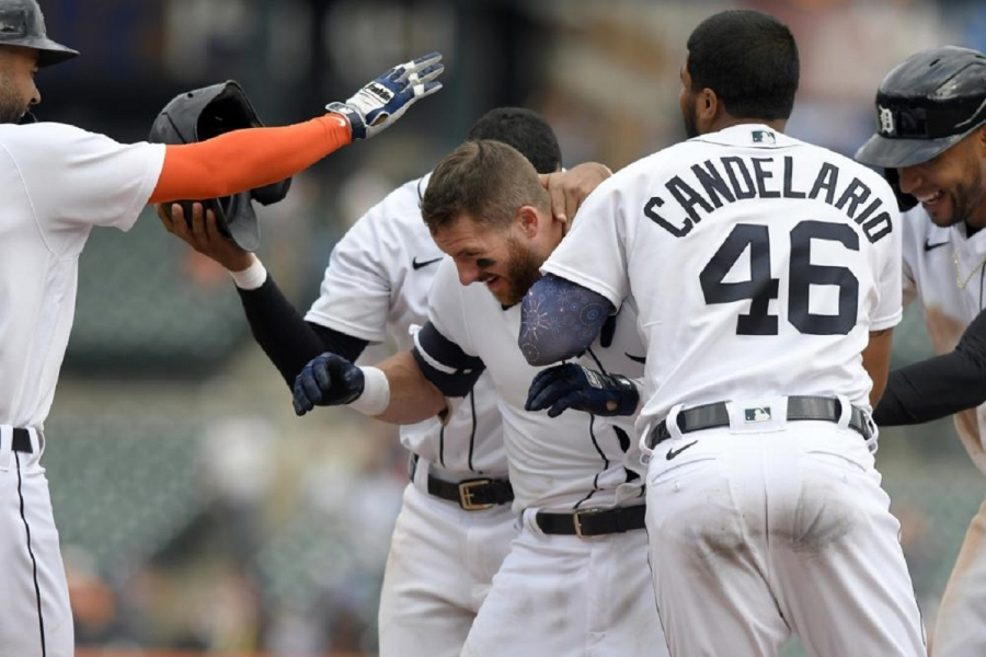 Tampa Bay Rays v Detroit Tigers: Candelario 2 homers, Tigers walk off Rays with walk in 11th