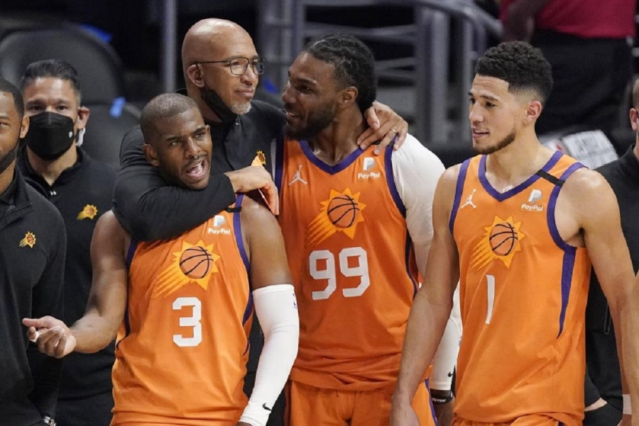 Phoenix Suns v Los Angeles Clippers: Chris Paul leads Suns past Clippers, into NBA Finals