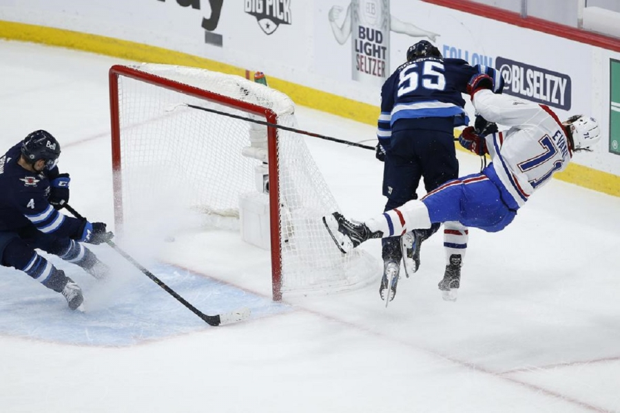 Montreal Canadiens v Winnipeg Jets: Canadiens' Game 1 win tempered by late hit on Jake Evans