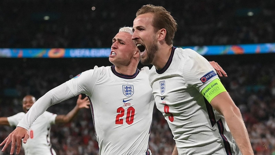England v Denmark: Harry Kane strikes extra-time winner as Three Lions set up Euro 2020 final with Italy