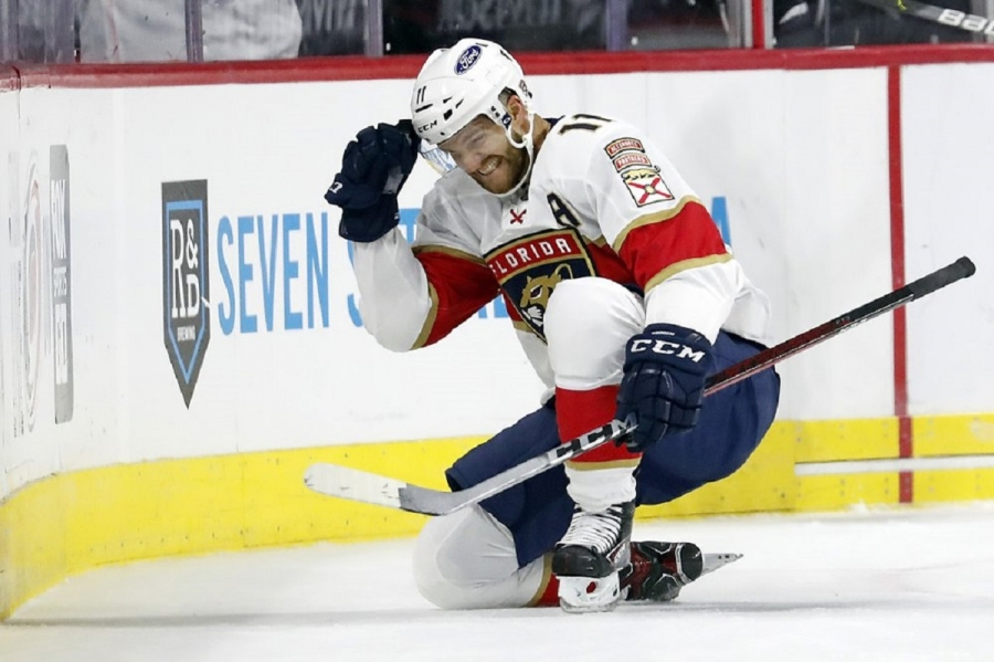 Florida Panthers v Carolina Hurricanes: Huberdeau scores in OT, lifts Panthers past Hurricanes