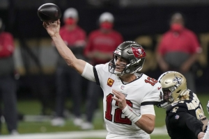 Tampa Bay Buccaneers v New Orleans Saints: Brady, Bucs, end playoffs for Saints, Brees