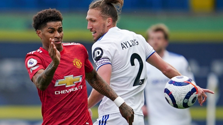 Leeds v Man Utd: Uninspiring stalemate puts Man City two wins from Premier League title