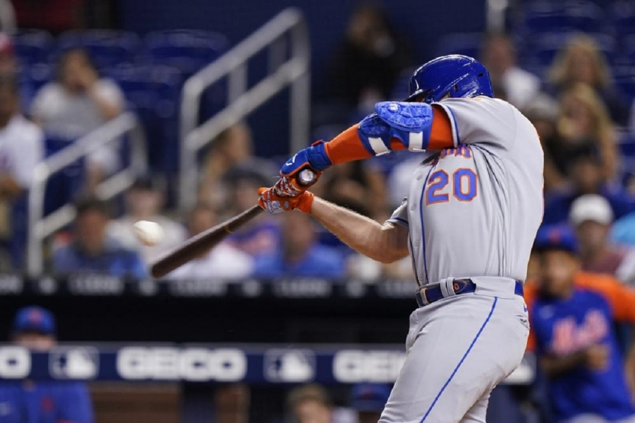 New York Mets v Miami Marlins: Alonso homers twice, including 100th, as Mets top Marlins