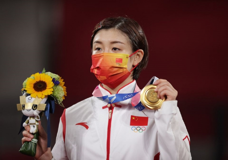 Chen keeps China's perfect record intact with gold