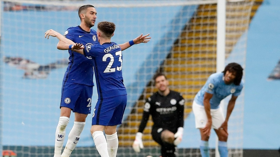 Man City v Chelsea: Sergio Aguero's missed Panenka penalty proves costly as Marcos Alonso grabs late comeback winner at Etihad