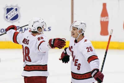 Carolina Hurricanes v Florida Panthers: Necas scores in OT, Hurricanes beat Panthers