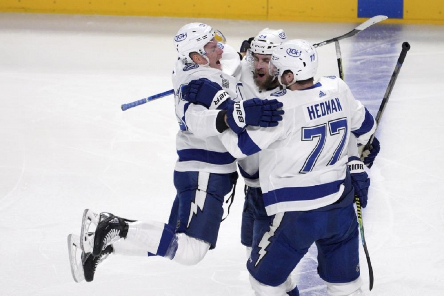 Tampa Bay Lightning v Montreal Canadiens: Lightning beat Canadiens, take 3-0 lead in Cup Final
