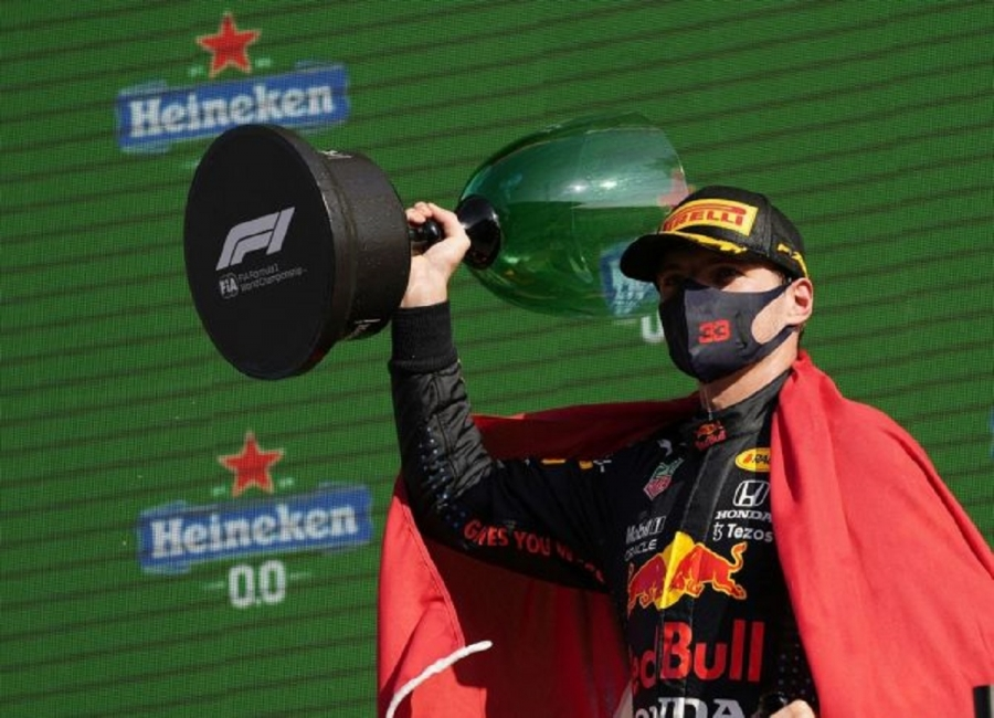 Verstappen triggers Dutch party with dominant home win