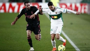 Elche v Real Madrid: Champions lose ground on leaders Atletico