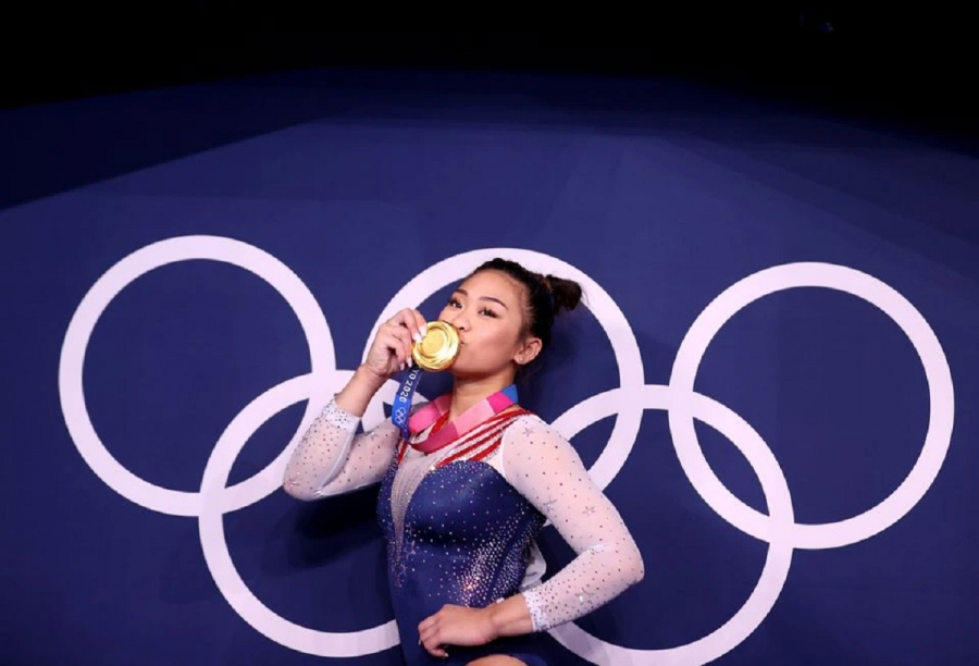 USA's Lee taking gold home to her father and Hmong community