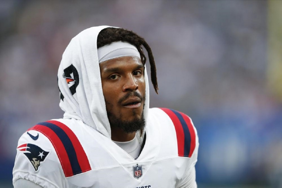 Pats cut Newton, clearing way for Jones to start