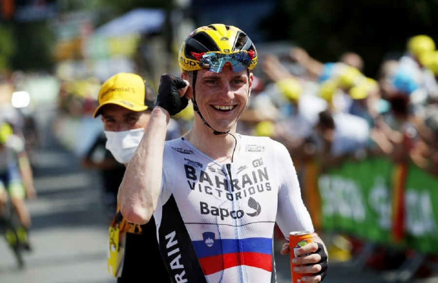 All smiles for Bahrain Victorious as Mohoric wins Tour stage