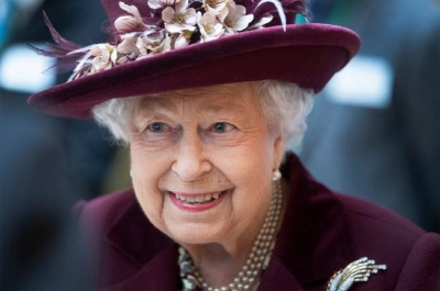 Queen Elizabeth wants to play an official Premier League match for Aston Villa