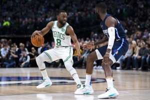 Walker scores 32 to lead Celtics past Mavericks