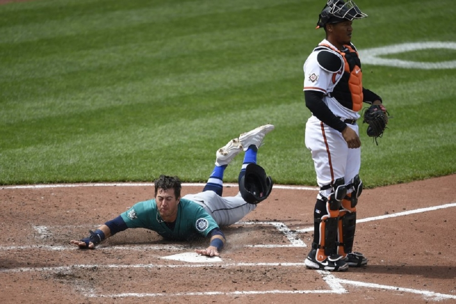 Seattle Mariners v Baltimore Orioles: Crawford lifts Mariners over O's in doubleheader opener