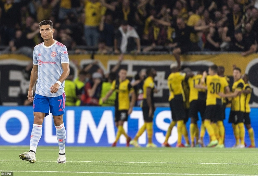 Young Boys v Man Utd: Cristiano Ronaldo scores again but United beaten late on in Champions League group opener