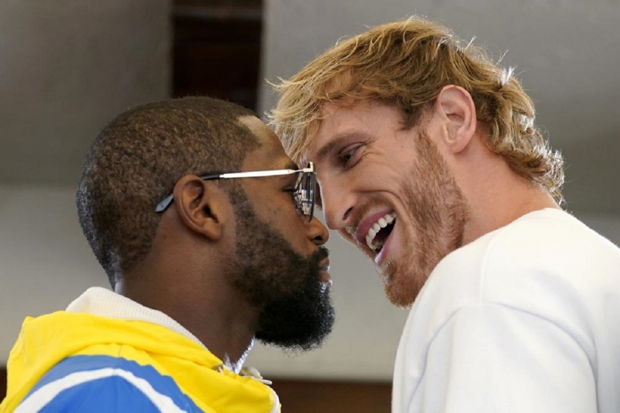 Circus ring: Mayweather returns to fight YouTube sensation