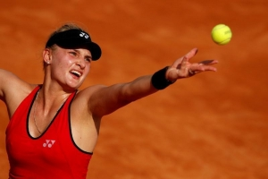 Yastremska provisionally suspended for doping, denies using drugs