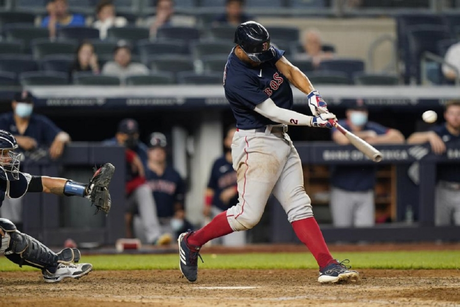 Boston Red Sox v New York Yankees: Red Sox hold off Yanks in 10 for 3-game sweep in Bronx