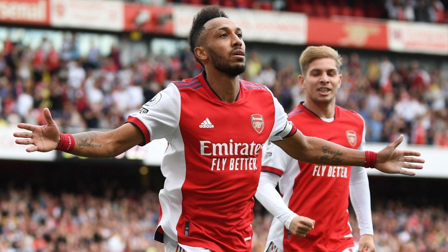 Arsenal v Norwich: Pierre-Emerick Aubameyang settles the nerves in edgy victory for Mikel Arteta