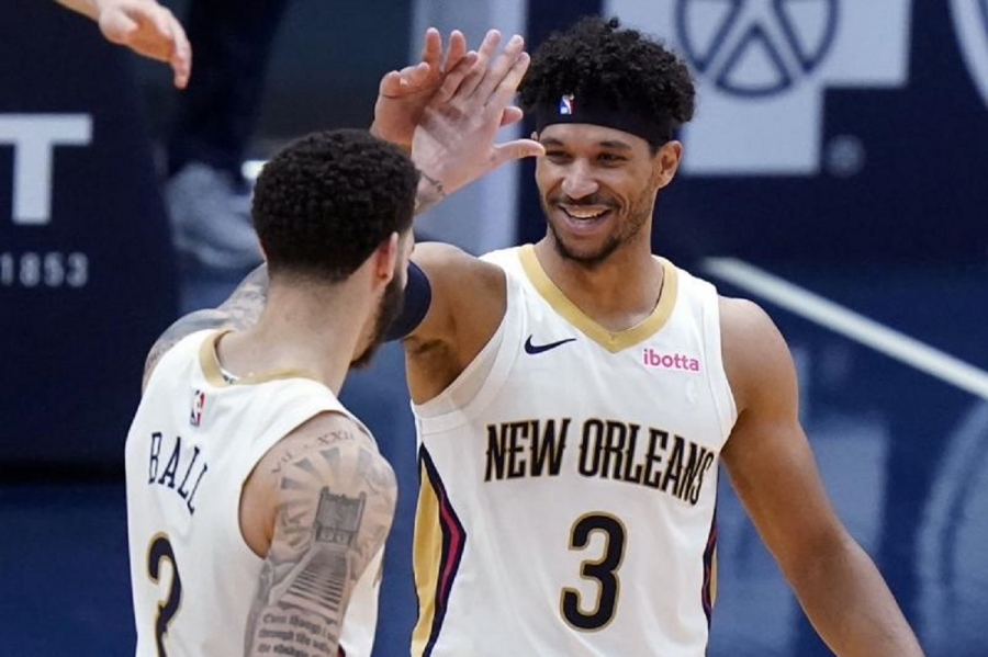 Pelicans retain restricted free agent swing player Josh Hart