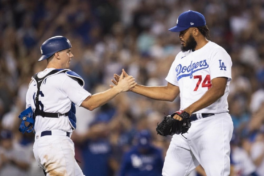 San Diego Padres v Los Angeles Dodgers: Betts homers on 4-RBI night, Dodgers beat Padres